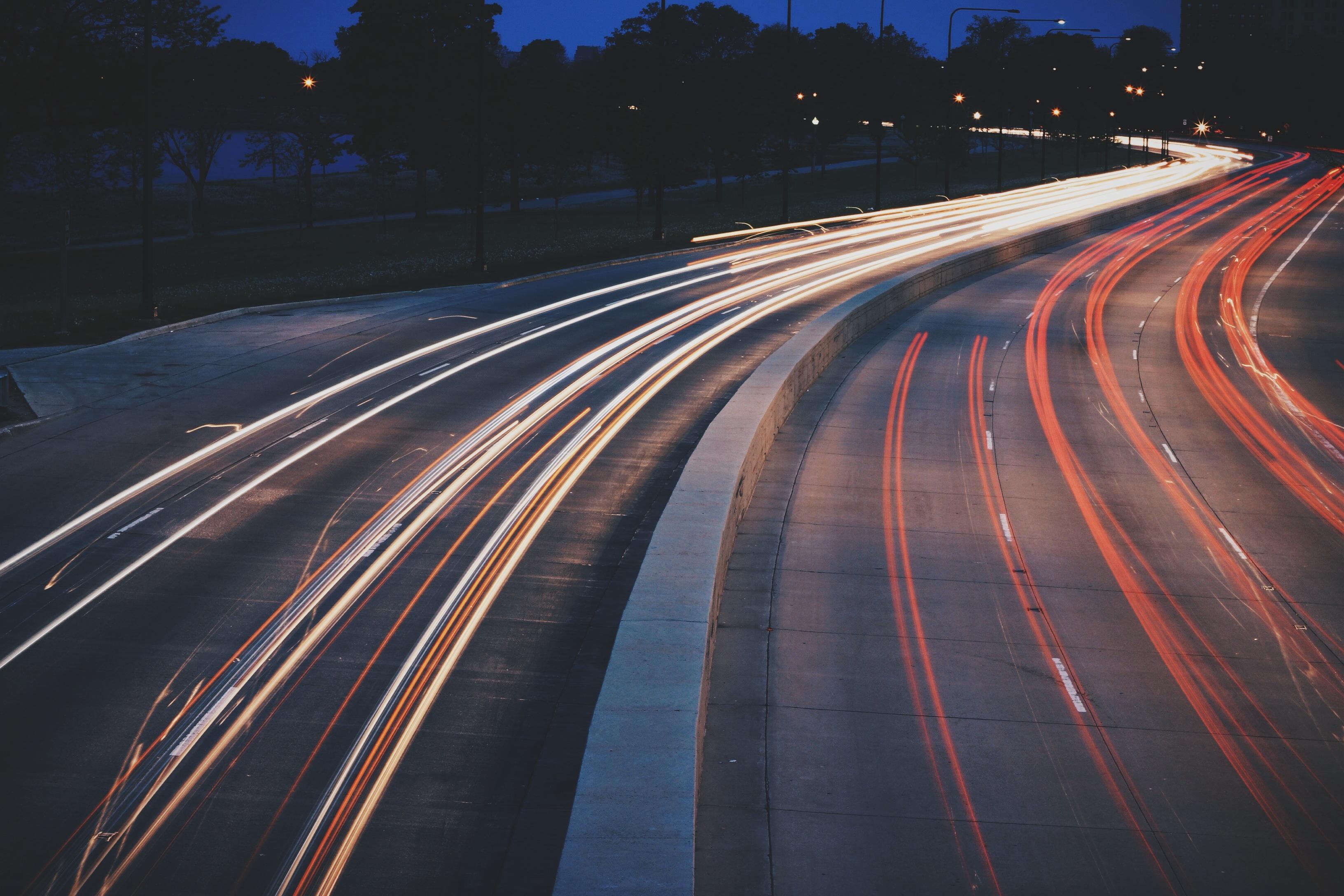 نقش داده های کلان در کاهش ترافیک جاده ها