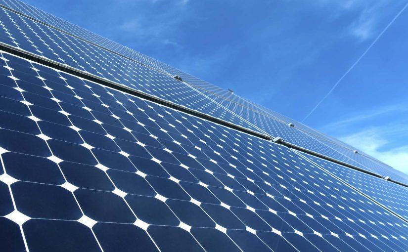 کاهش بیست و پنج درصدی هزینه انرژی خورشیدی در یک سال